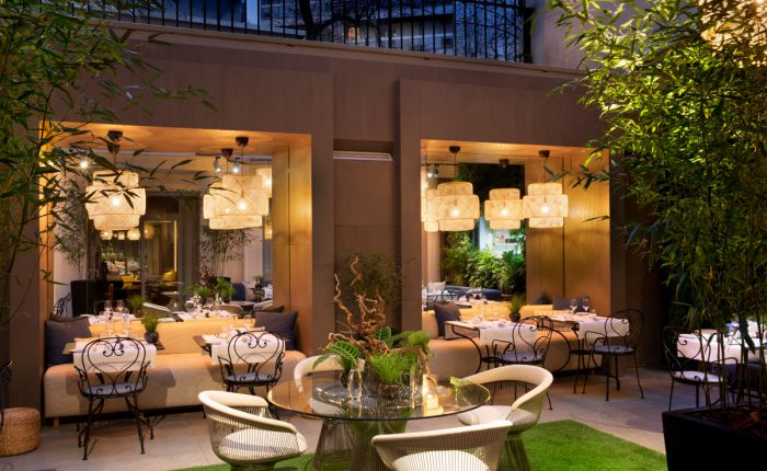 Innenhof_5_Sterne_boutique_hotel_champselysees