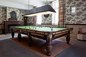 Dordogne - Billiard im Hotel