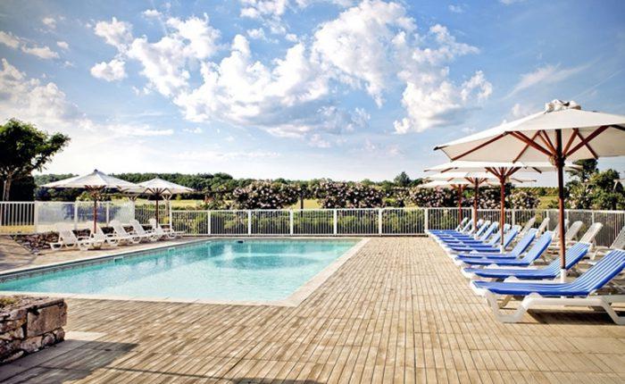 Dordogne - Pool im Schlosshotel
