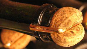 champagne-flasche-mit-korken