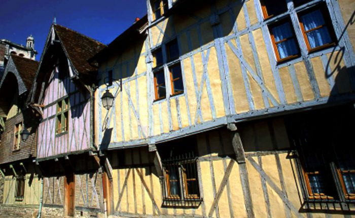 champagne-troyes-altes-haus